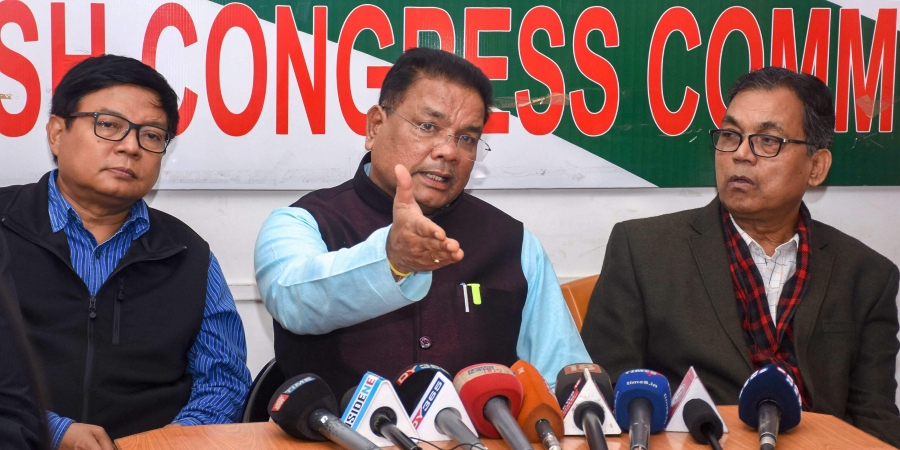 Congress alleges serious discrepancies in EVMs, Strong rooms in Assam
