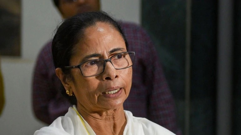 West Bengal CM walks out of Netaji event after being 'insulted'