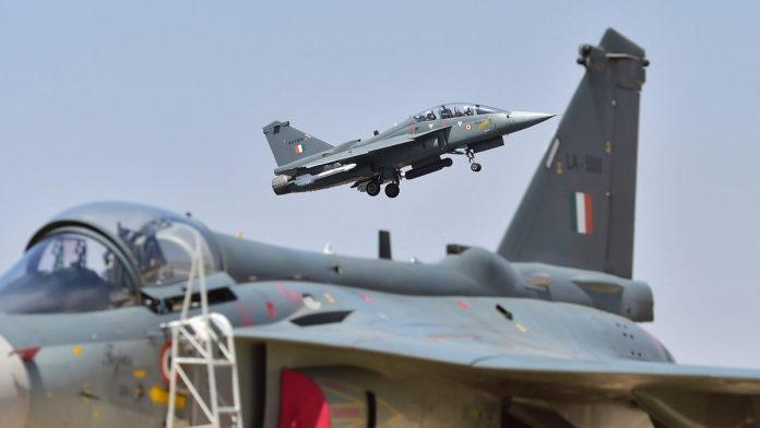 Govt clears deal for 83 Tejas fighters