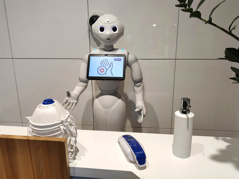 AMCH gets Robots for Covid19 patients