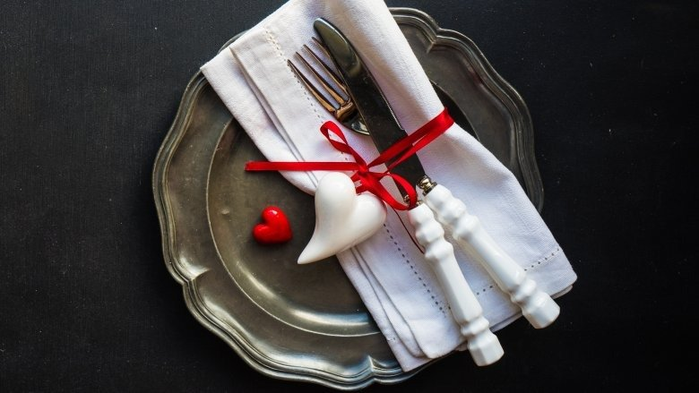 Don't wanna go out this Valentine's Day? Have a Romantic Dinner at home