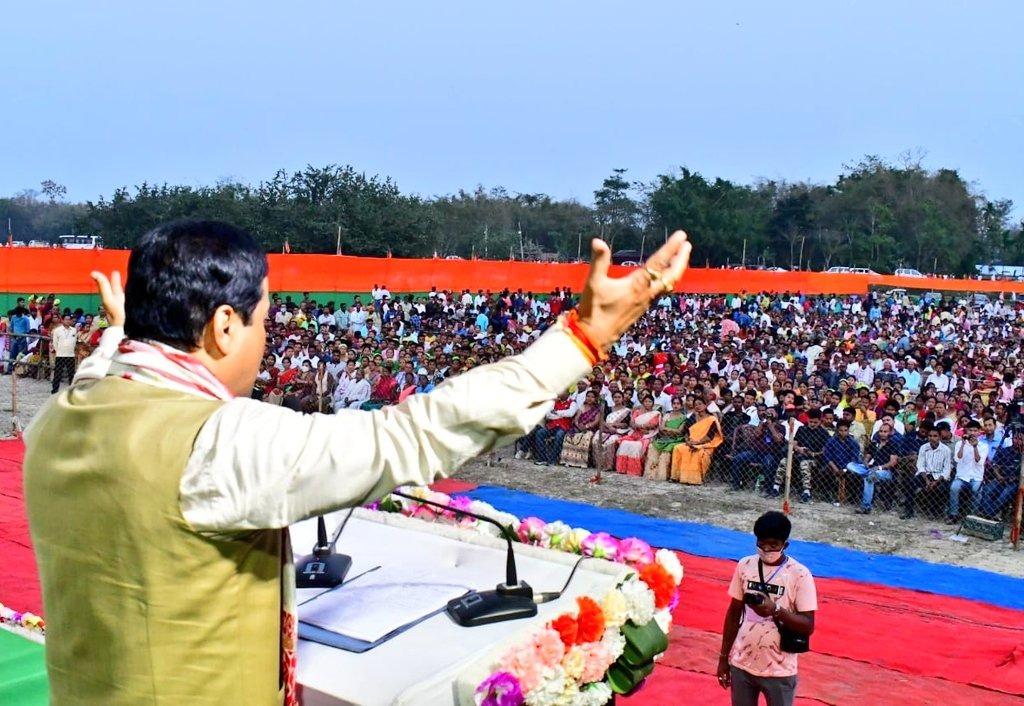 CM accompanies Ranjit Das in nomination filing; addresses several rallies