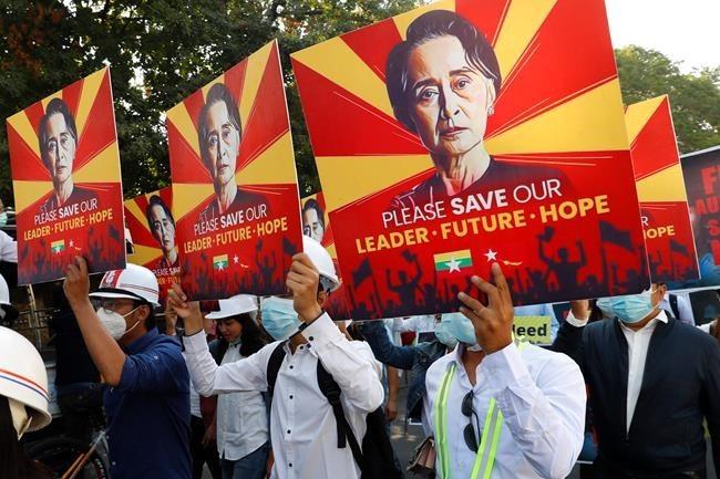 Myanmar 'policemen' cross over to Mizoram, Seek refuge