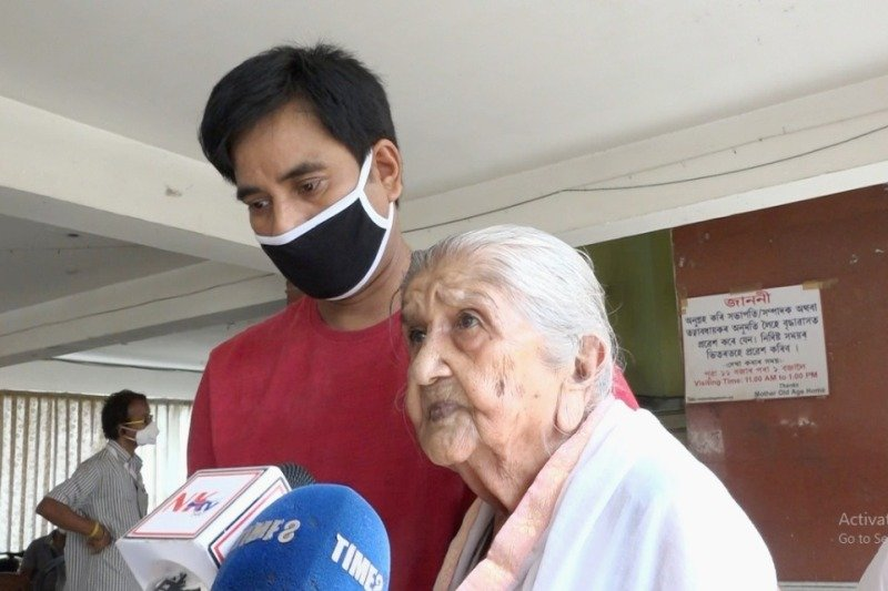 Mother Old Age Home Crisis: Worry inmates shifted, uncertainty continues